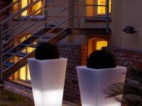 slide indoor outdoor location milano y pot light
